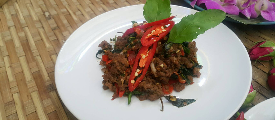 PAD KRAPAO NEUA SAP (STIR-FRIED BEEF AND HOLY BASIL)