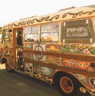 Elpelut Ibiza hippiebus