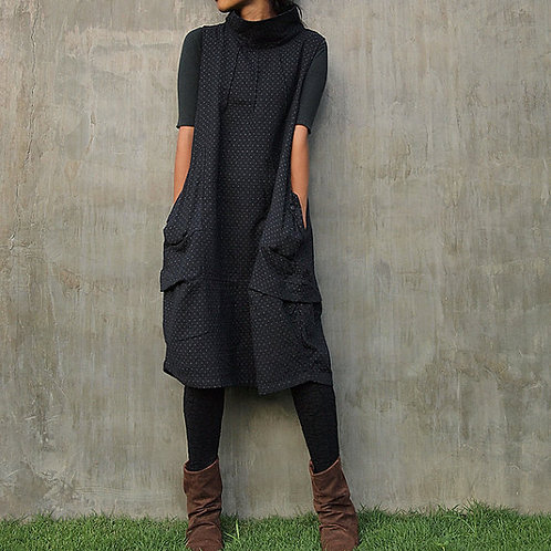 Easy to wear heavy cotton tunic with pockets and funnel neck