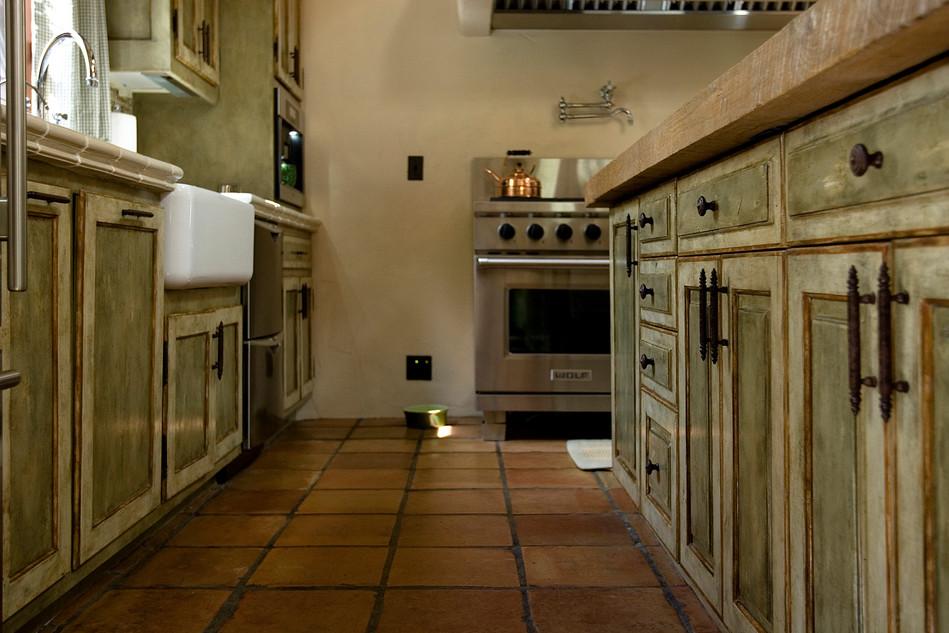 Serra Retreat kitchen towards Wolf.jpg