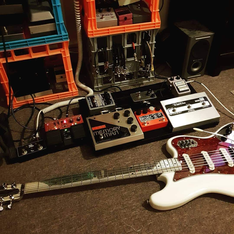 Squier Bass VI with Alef Aluminum neck.png