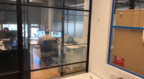 זכוכית חכמה לפרטיות - משרדים BE ALL