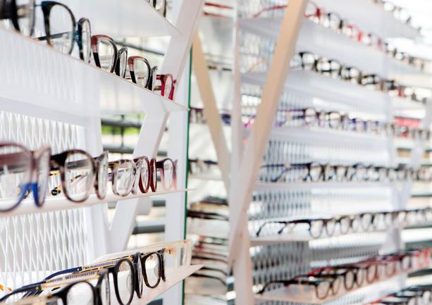 עיצוב פנים חנות אופטיקה משקפיים