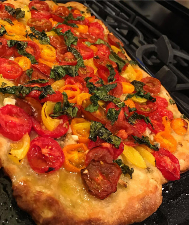 Simple Healthy Mediterranean Tomato Medley Flatbread
