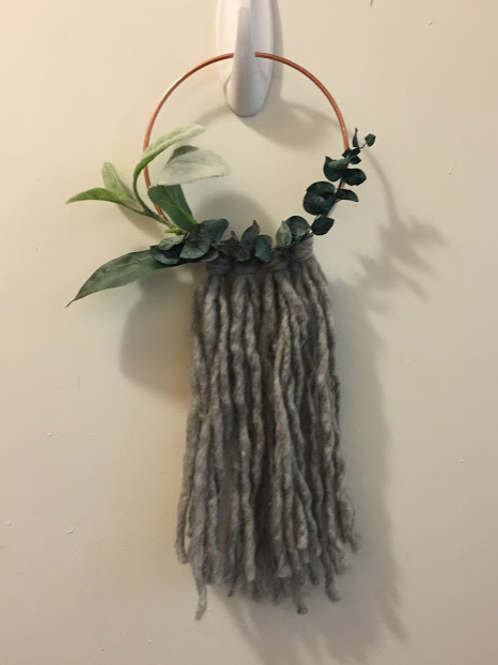 Fringe Wreath-Mini
