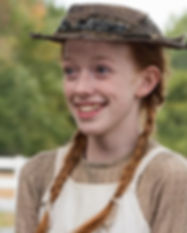 amybeth-mcnulty-vive-anne-em-anne-with-a