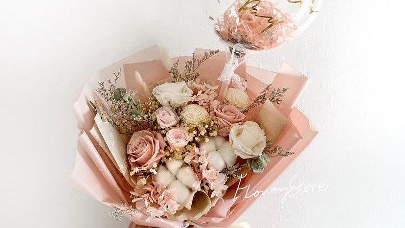 藕粉色系玫瑰花束