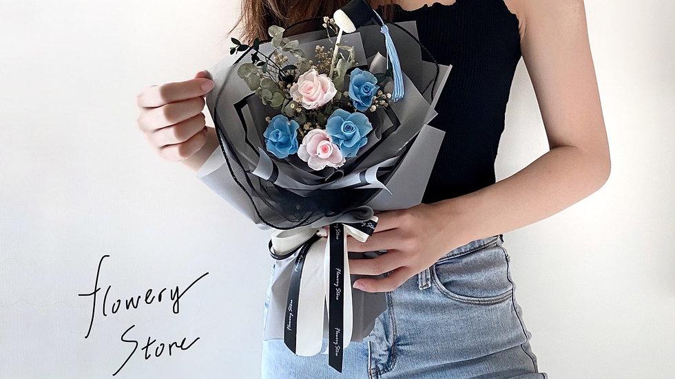 經典霧藍淺粉玫瑰灰色花束