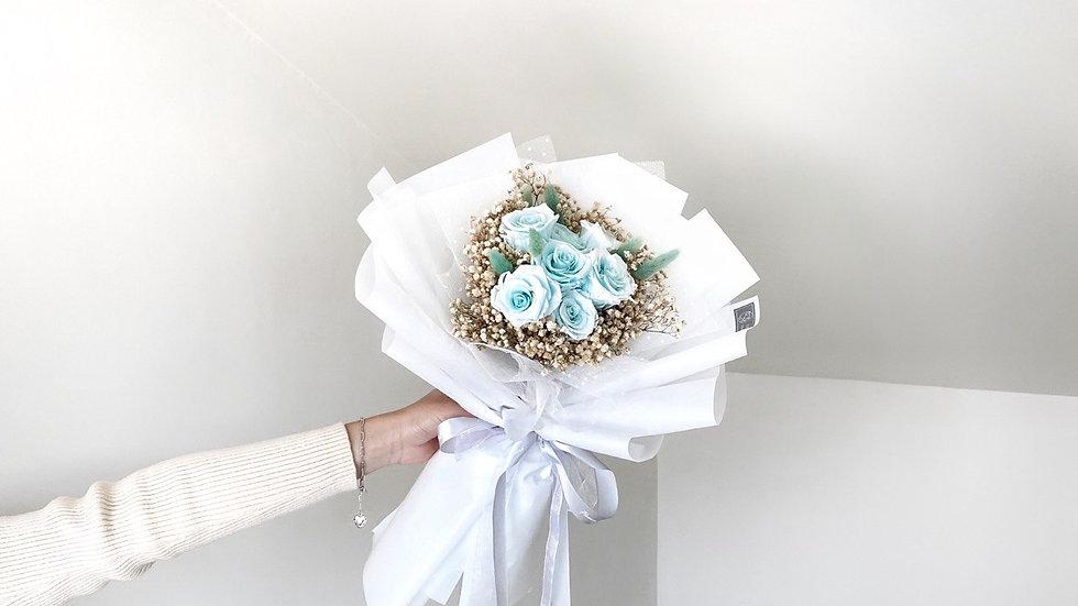 優雅淡藍玫瑰花束