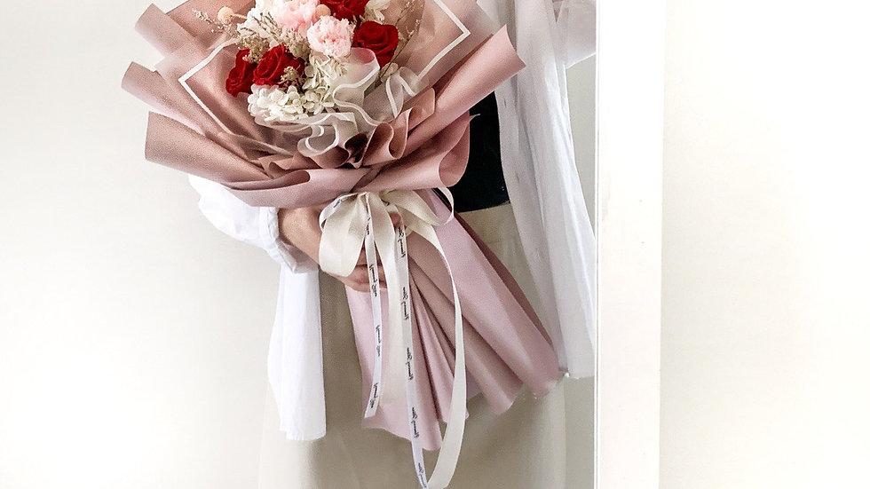 草莓牛奶花束