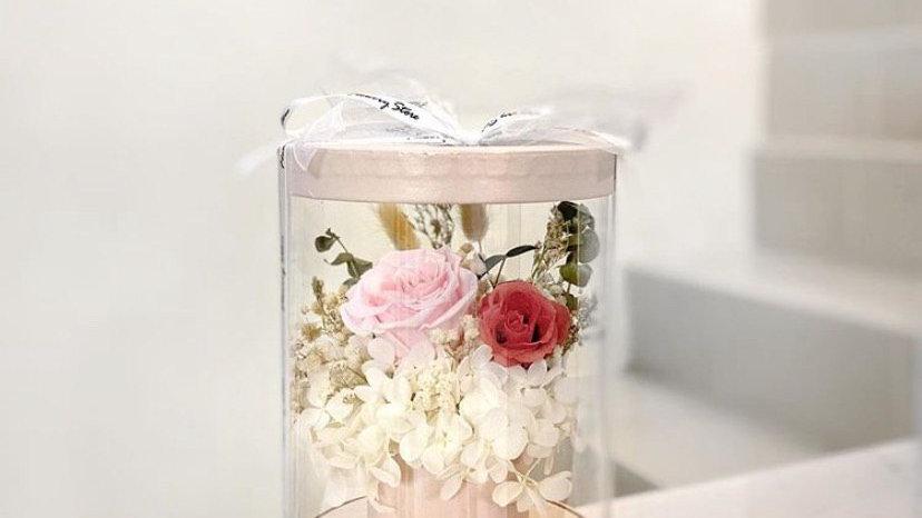 淺粉色玫瑰花桶