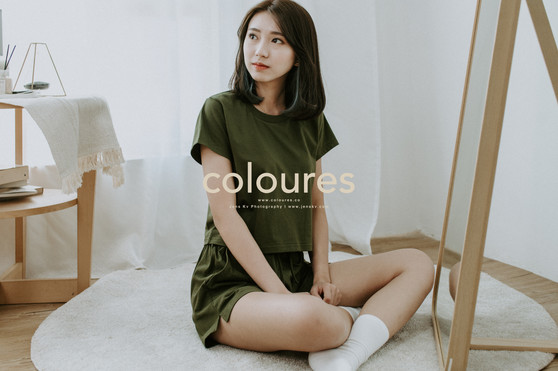 Commercial, Commercial Portrait, Fashion, Studio, Shooting, Portrait, Girl Portrait, cloth, coloures, t-shirts, tshirts, tshirt, simple, plain tee, plain t, malaysian made, made in malaysia, Apparel, Comfy, Ultimate Comfort, LoungeWear, Essential Wear