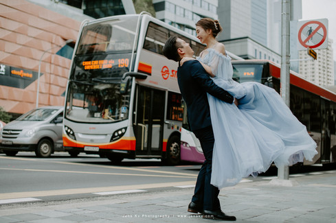 Photography, Top, Best, Photographer, Pre Wedding, Wedding Actual Day, Couple, Love, Romantic, Forever, Happiness, Bride, Groom, Beautiful, Portrait, Jens Kv, Fort Canning, Singapore, Register of Marraige, R.O.M., Bus, Street