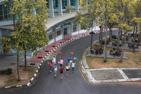 Malaysia Kuala Lumpur Melaka Johor Photography Top Best  Photographer Multimedia University MMU Pre Graduation Group Photo Creative Fun Crazy Craziness Happiness Drama Dramatic Portrait Balloon