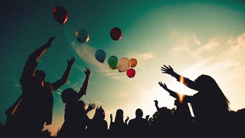 Malaysia Kuala Lumpur Melaka Johor Photography Top Best  Photographer Multimedia University MMU Pre Graduation Group Photo Creative Fun Crazy Craziness Happiness Balloon Silhouette Hope Fly Portrait Jens Kv