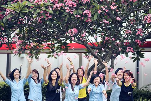 Malaysia Kuala Lumpur Melaka Johor Photography Top Best  Photographer Multimedia University MMU Pre Graduation Group Photo Creative Fun Crazy Craziness Happiness Drama Dramatic Portrait
