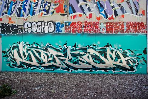 Sofles_aqua piece grafitti.jpg