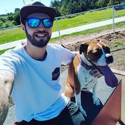 Sunshine and best friends _#krumb #krumboriginals #dogpark #dogs #boxers #boxerdogs #sunshine #frien