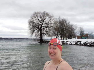 Chilly swim, St Lawrence River 2-3C