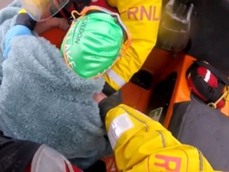 Dramatic footage shows moment swimmer is rescued from the Bristol Channel