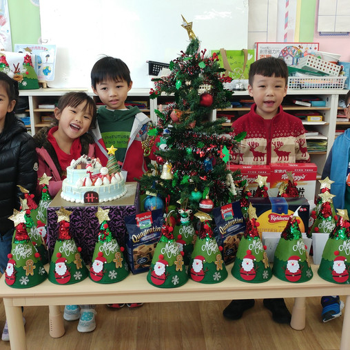 Celebrating Christmas 慶祝聖誕節