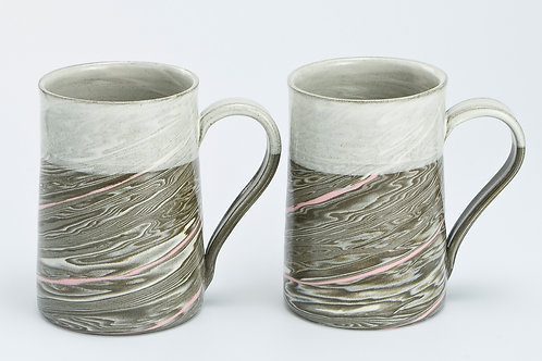 Taupe marble mugs with pink line (2)