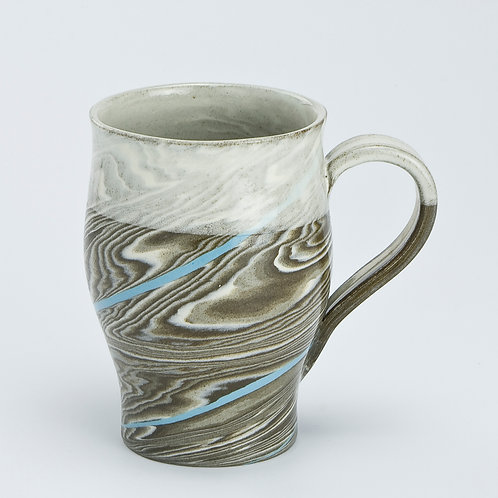 Taupe marble mug with blue line 02