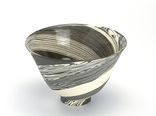 Bowl with lines 01