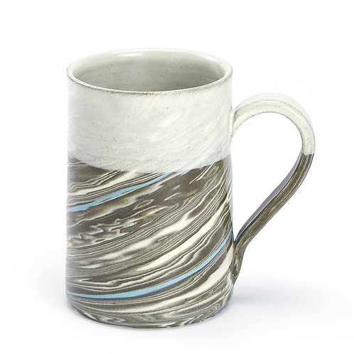 Taupe marble mug with blue line 01