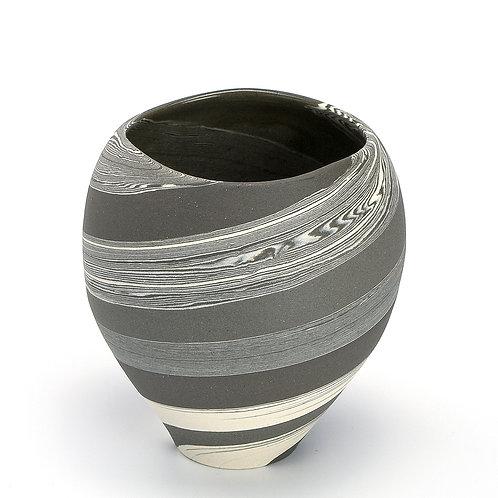 Small round vase 01