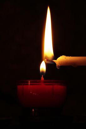 candle-2738532_1920.jpg