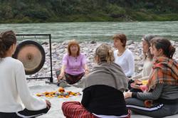 Ceremonia a orillas del Ganges_
