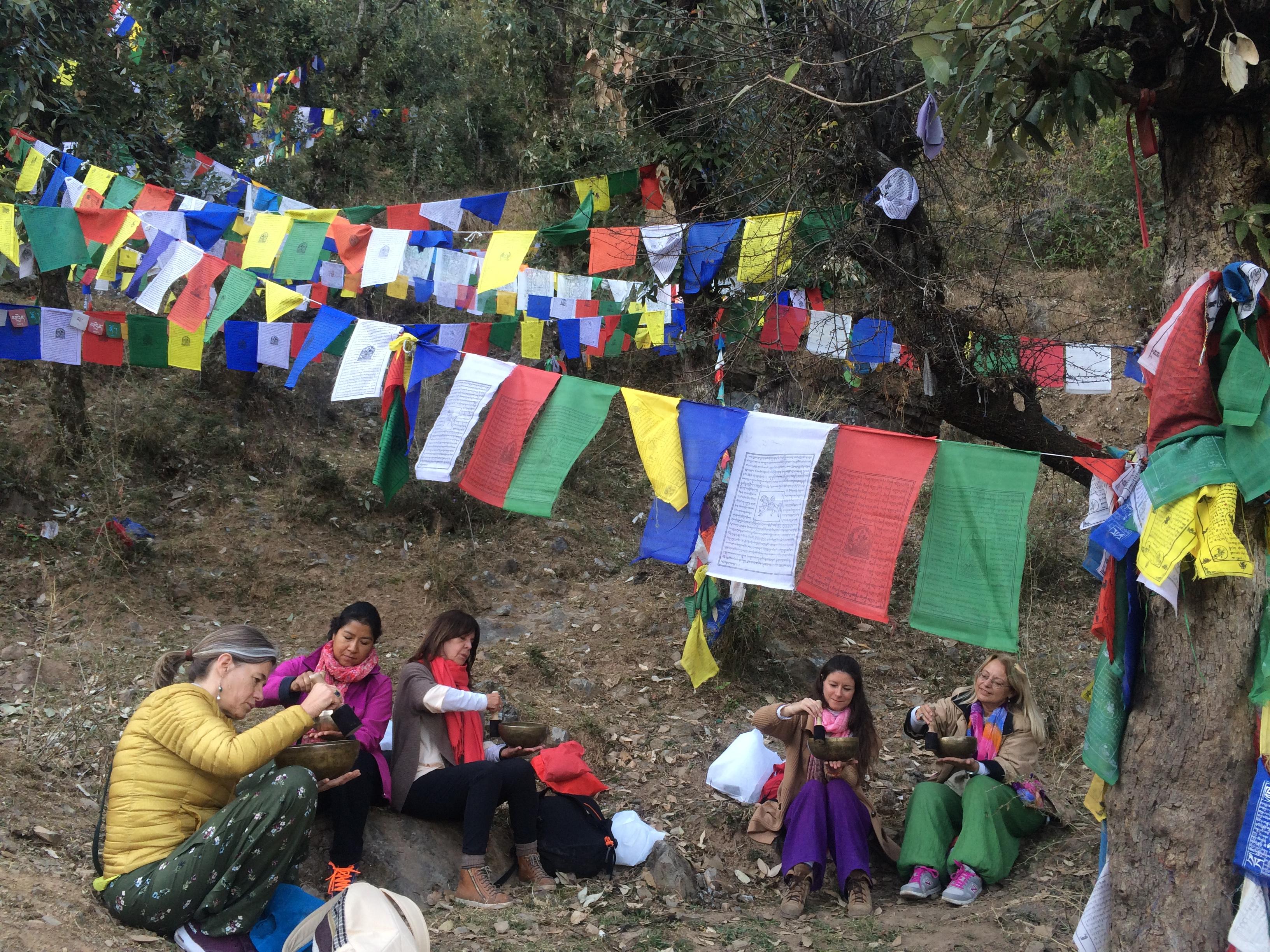 Práctica de cuencos en Dharamsala.