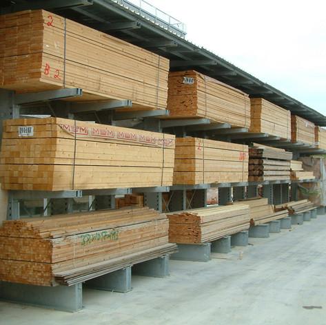 Cantilever bifronte esterno per legname