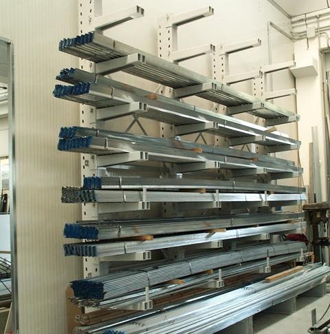 Cantilever monofronte per profili di alluminio