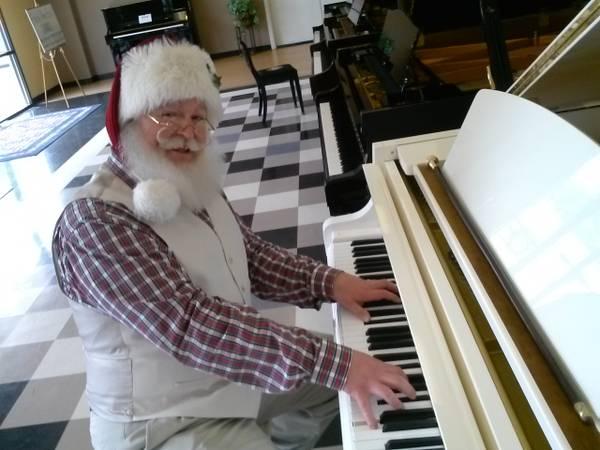 Santa at the Piano.jpg