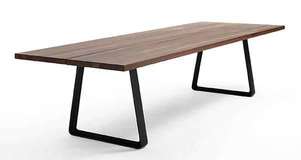 ARCO_Cast Tisch
