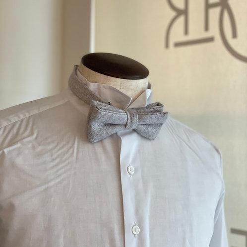 wool bowtie - butterfly/white