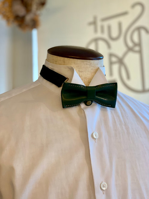 leather bowtie / green