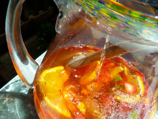 """Sparkling Strawberry Sangria & Cheddar Cheese """"Cookie"""" Stars"""