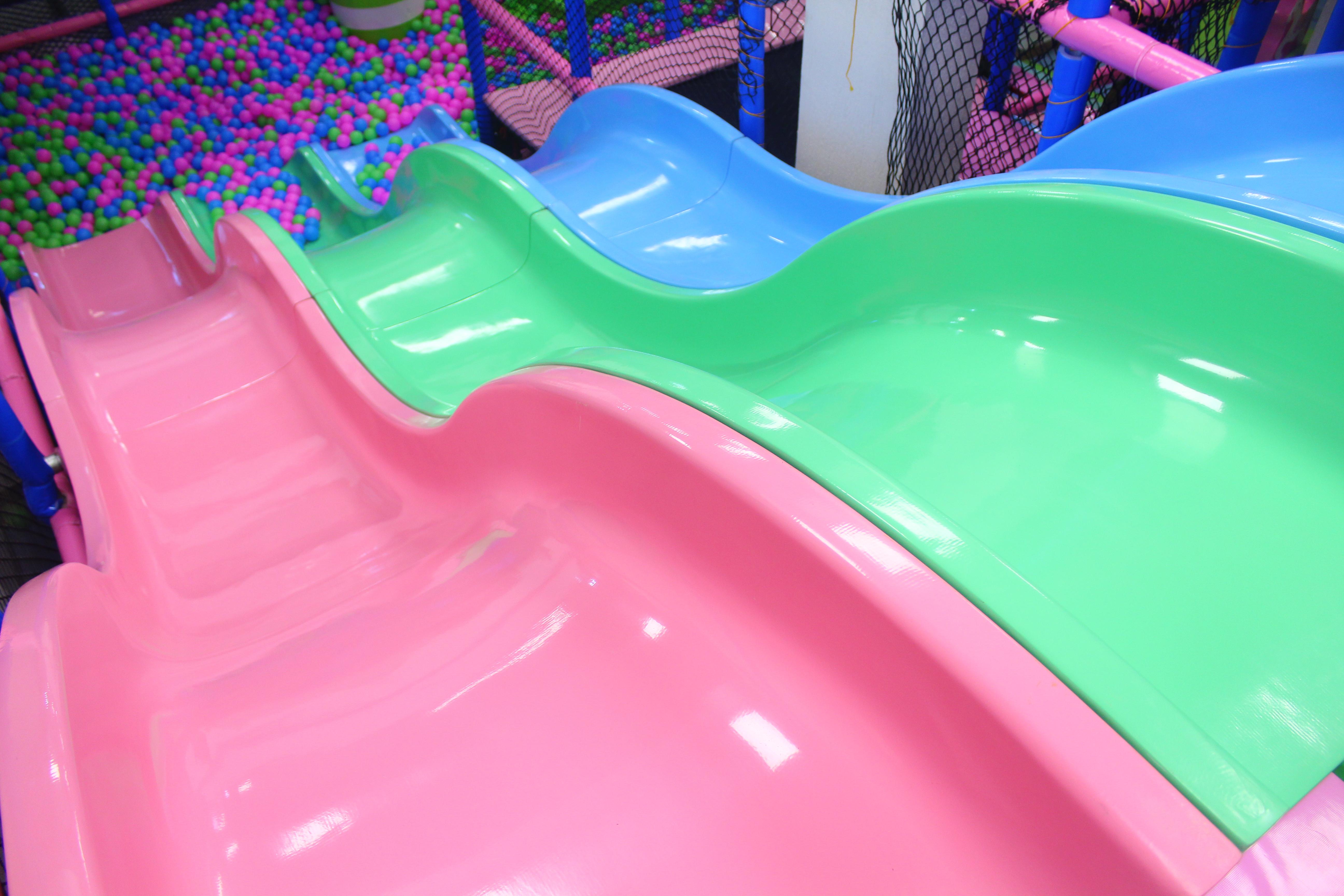 Ball Pool and Slide