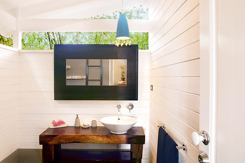 Diosa bathroom 4.jpg
