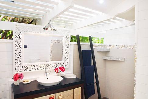 21-Diosa bathroom 2.jpg