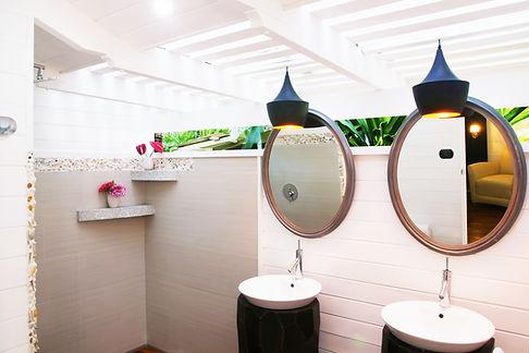 19-Diosa bathroom 1.jpg