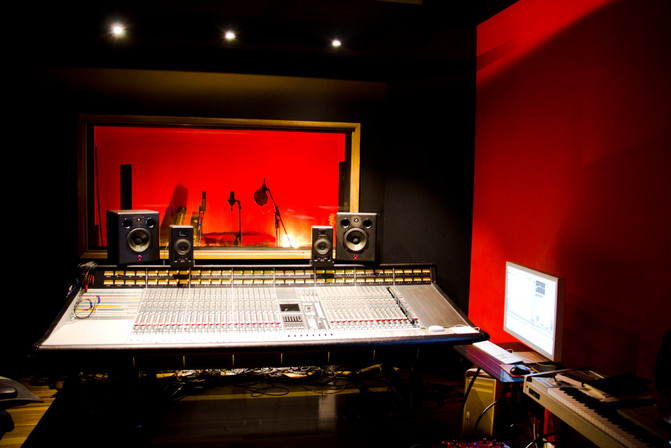 Studio - RED ENGINE_