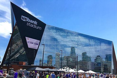 800px-US_Bank_Stadium_-_West_Facade.jpg