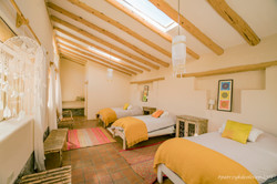 yellow room1