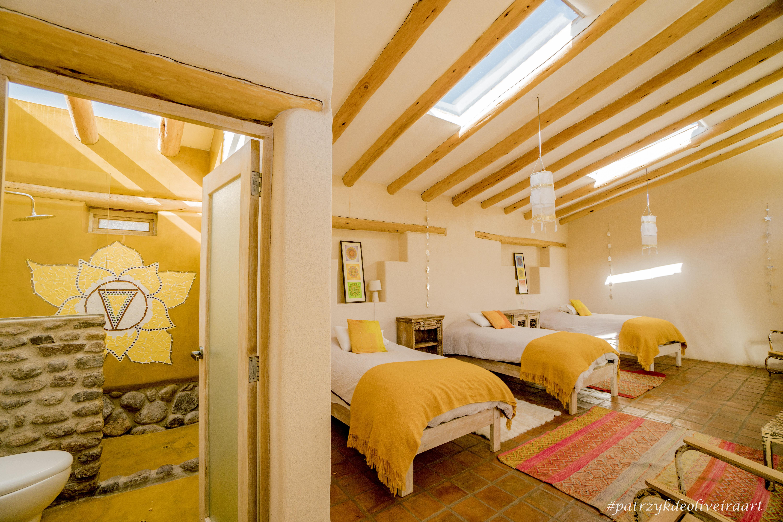 yellow room2