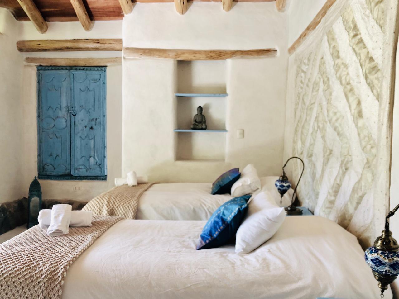 Light blue room 1