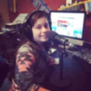 ASHLEY EN RADIO.png